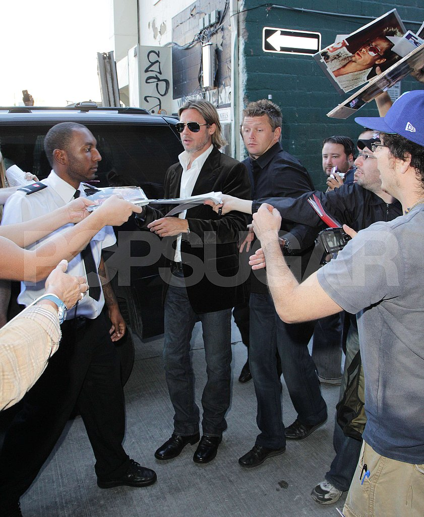 Brad tried to sign as many autographs as possible.