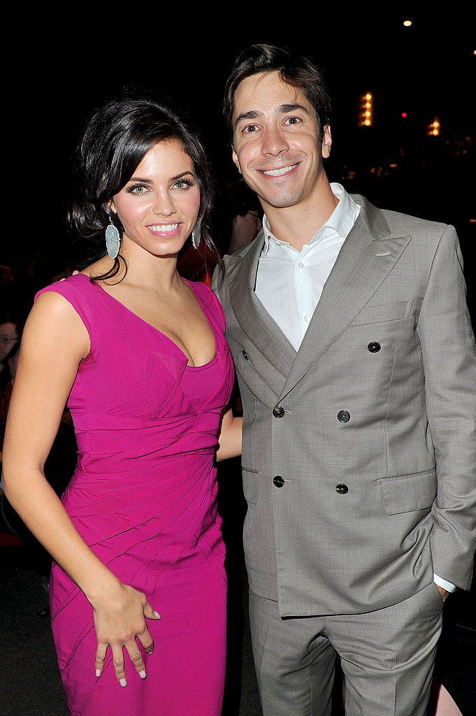 Justin Long and his costar, Jenna Dewan, stopped for a photo.