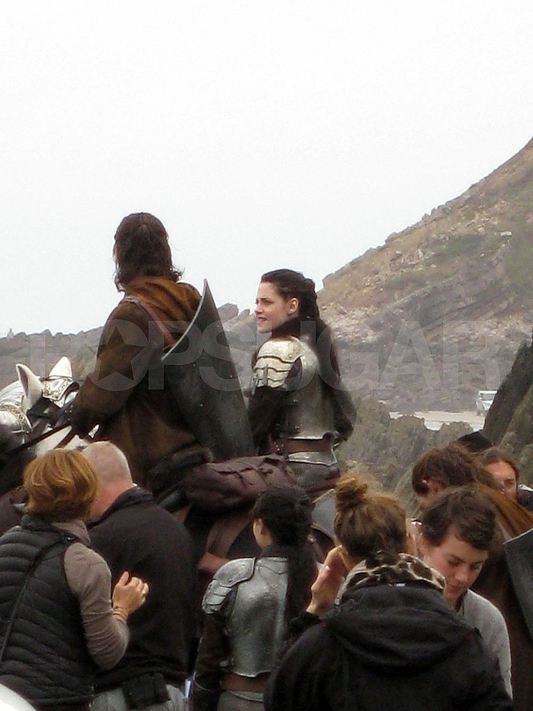 Kristen Stewart rides a horse while shooting Snow White and the Huntsman.