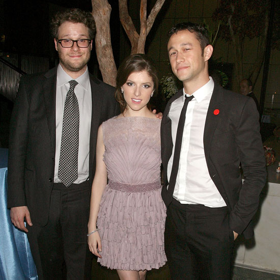 Joseph Gordon-Levitt Pictures With Kendrick, Rogen at 50/50 Premiere