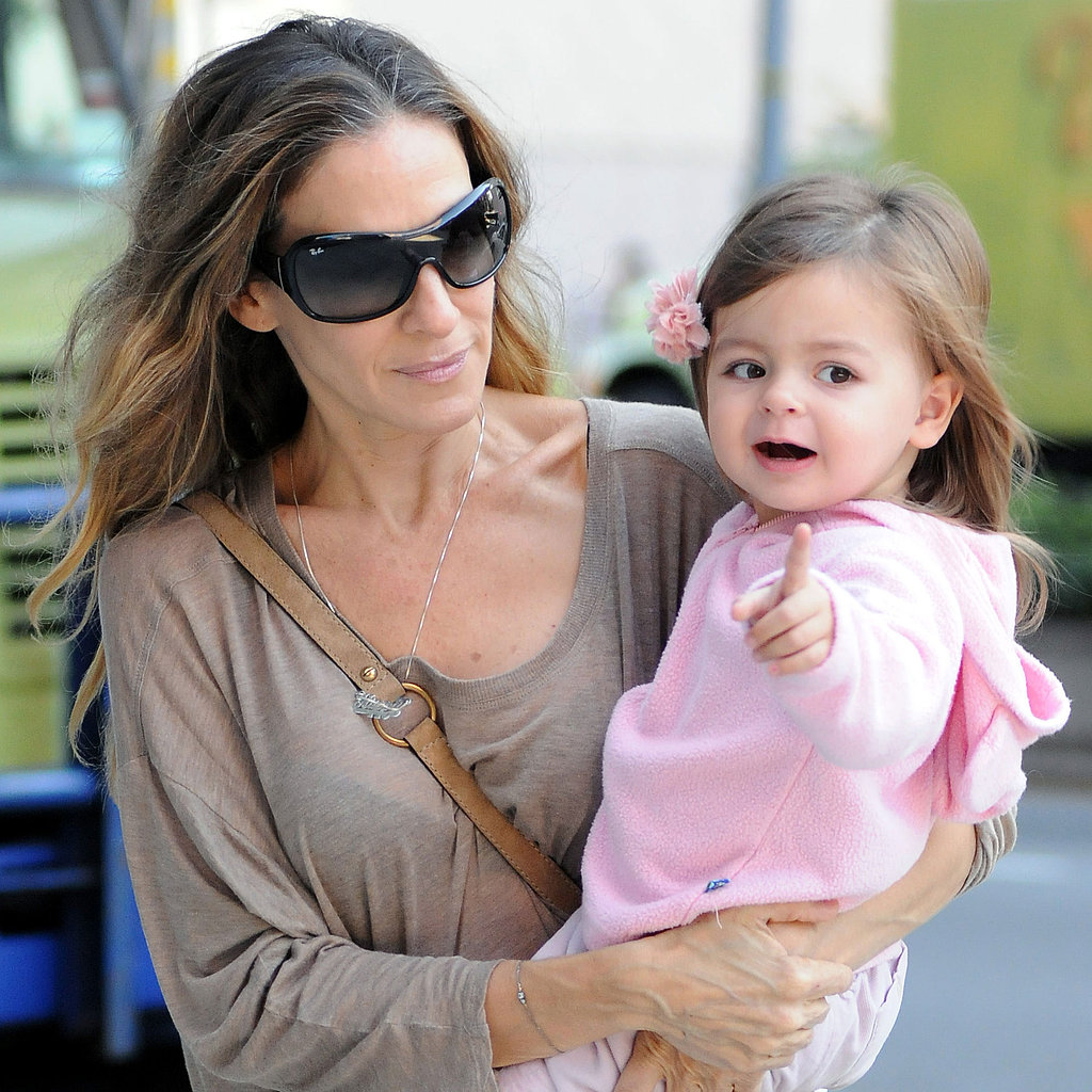 Photo of Sarah Jessica Parker & her Daughter  Marion Loretta Elwell Broderick
