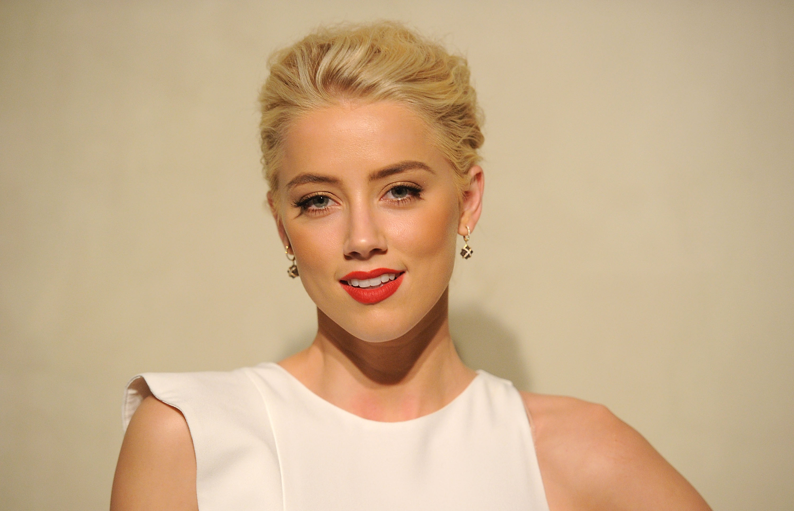 Amber Heard went to a dinner hosted by Roberta Armani.