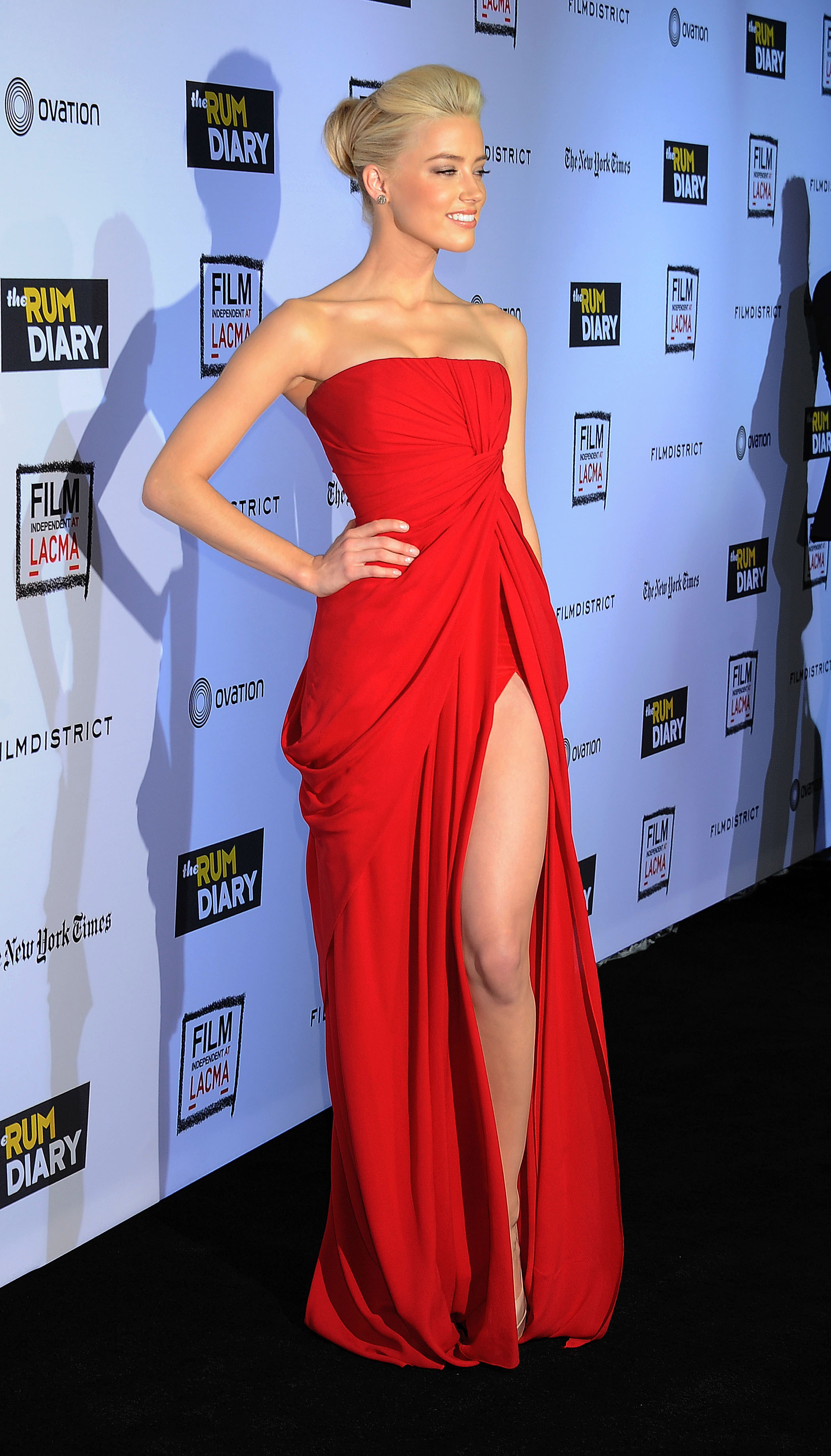 Amber Heard wore a show-stopping red dress. | Johnny Depp ...