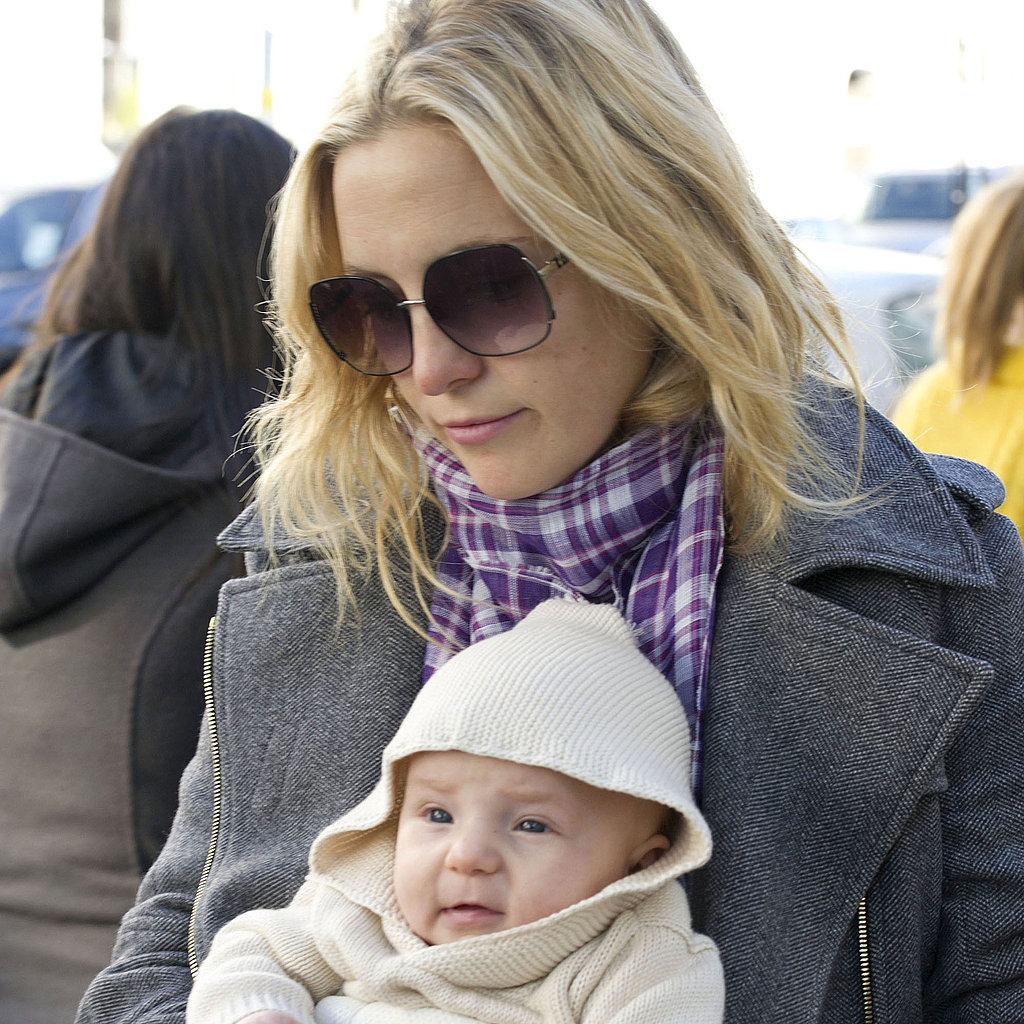 Photo Of A New Born Baby Wearing Heavy Makeup Goes Viral: Kate Hudson With Baby Bing In London Pictures
