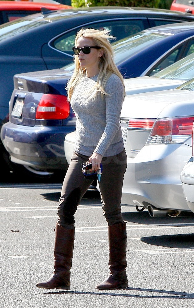 Reese Witherspoon wore riding boots to run errands.