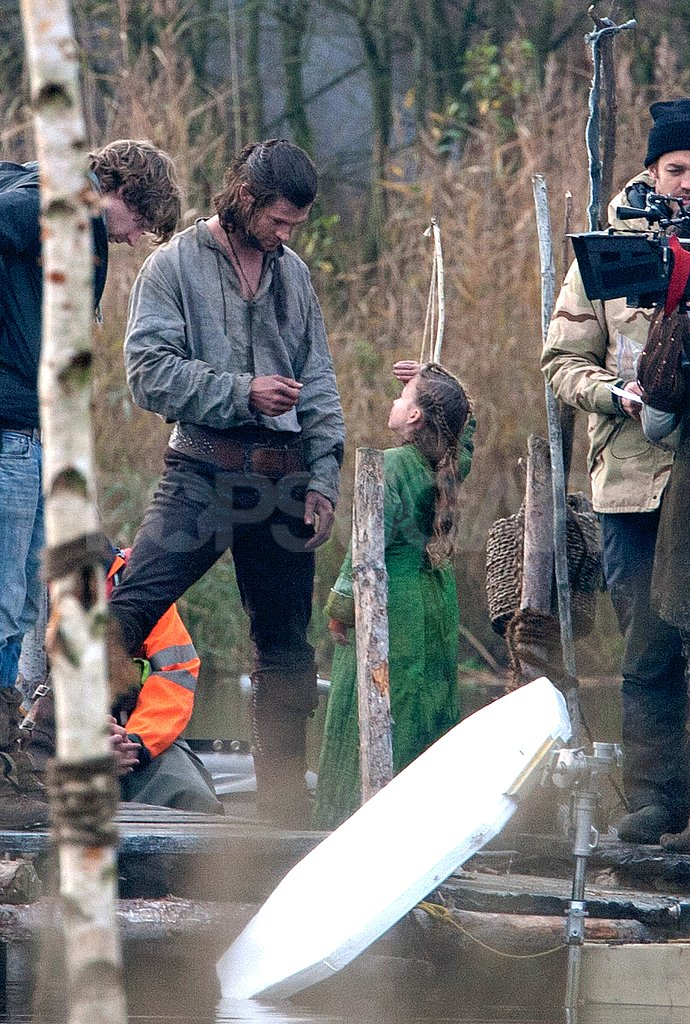 Chris Hemsworth talked to a little girl on the set of Snow White and the Huntsman.