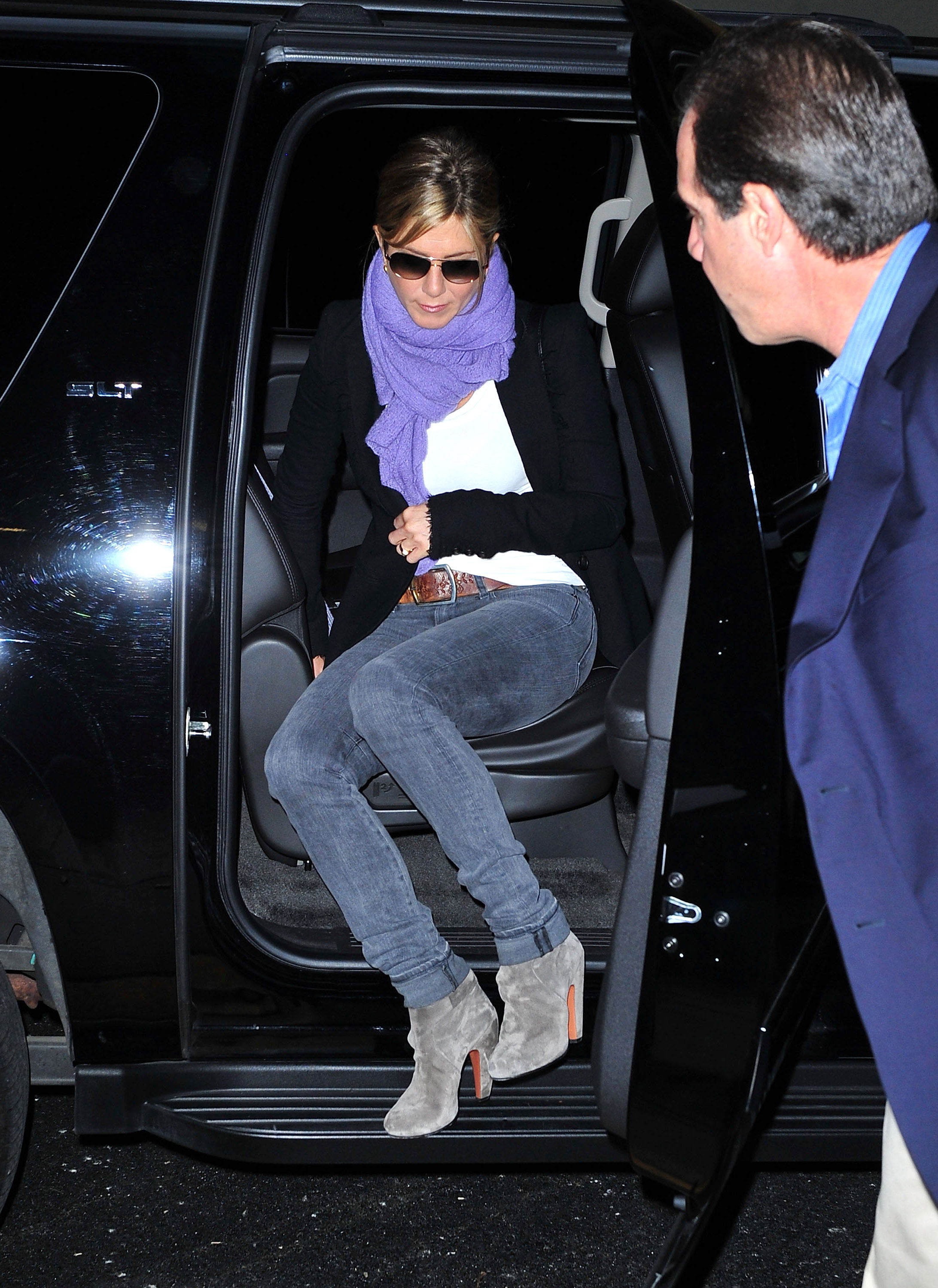 Jennifer Aniston in a chic fall look.