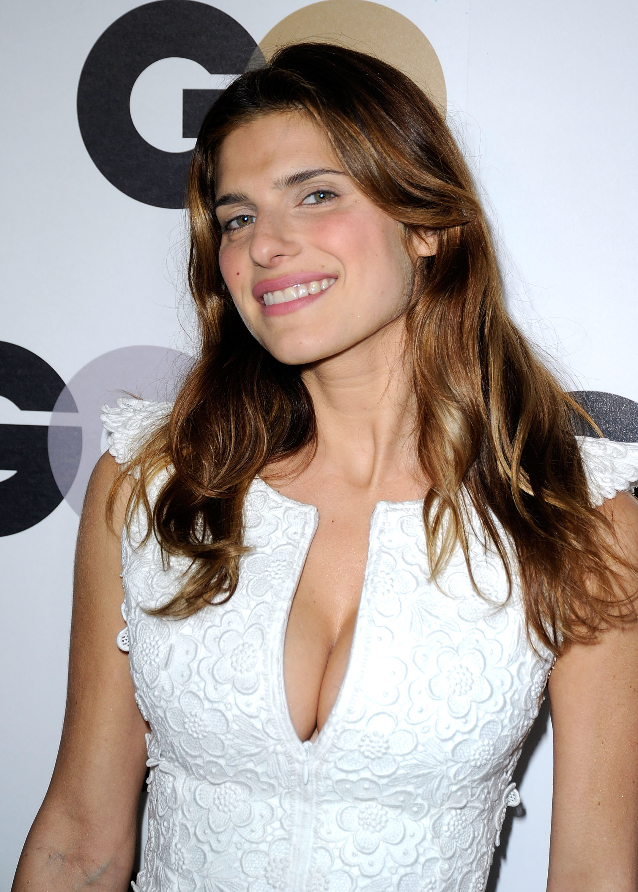 Lake Bell earned a  million dollar salary - leaving the net worth at 3 million in 2018