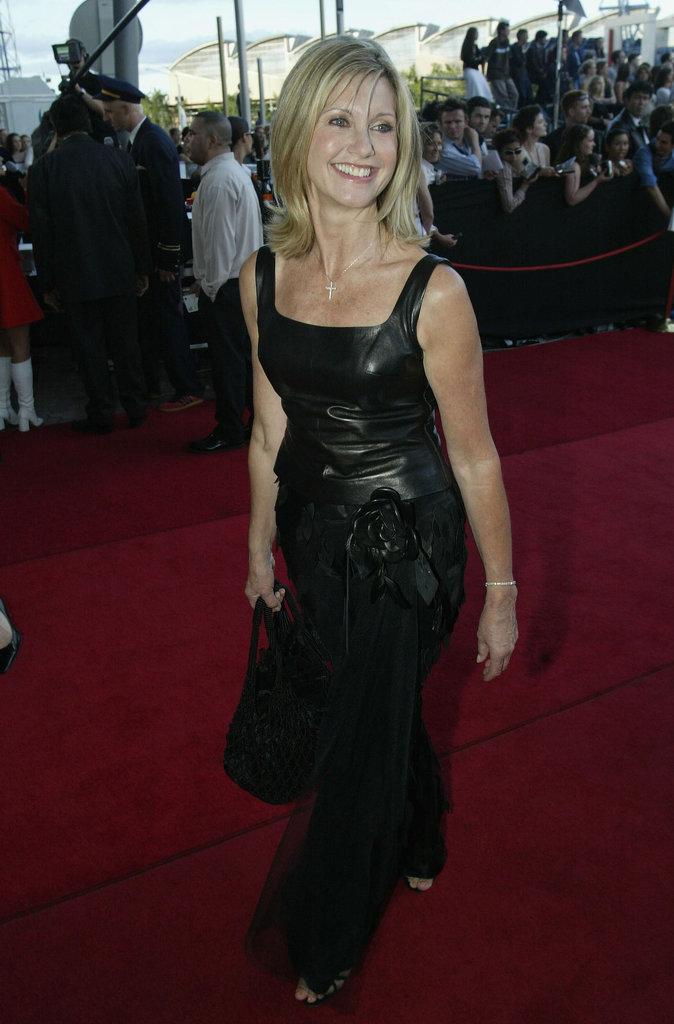 2002: Olivia Newton-John