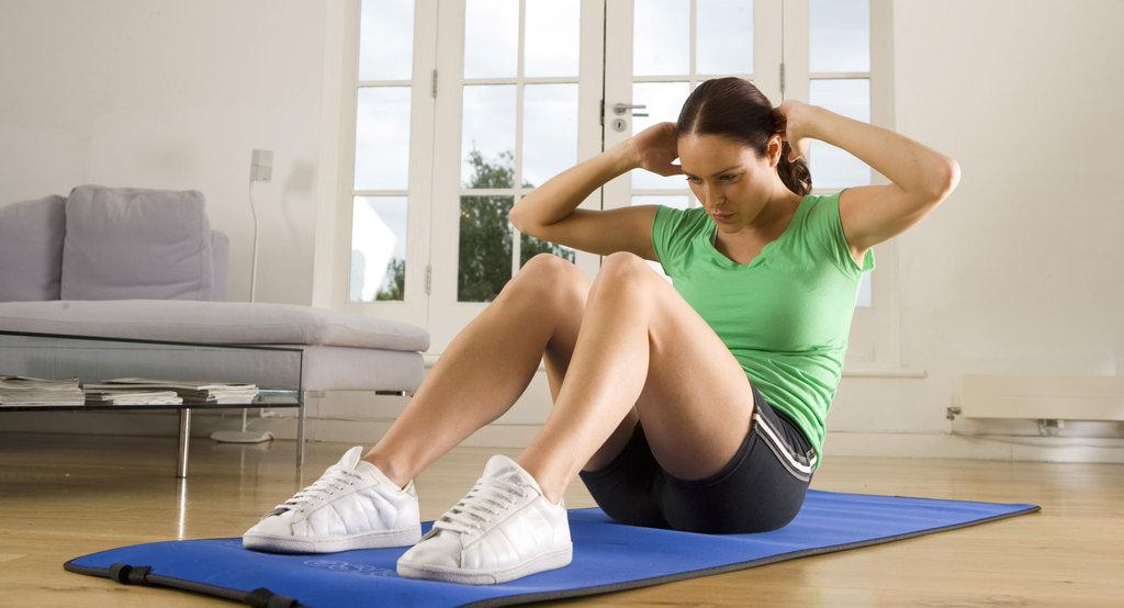 how to make sit ups more effective popsugar fitness. Black Bedroom Furniture Sets. Home Design Ideas