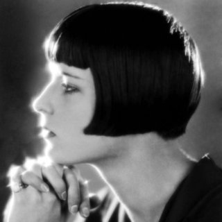 How to Style a Bob Haircut Easily