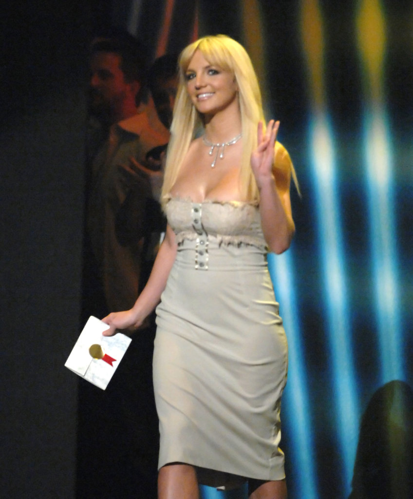 Britney Spears showed off her postbaby body after giving birth to Jayden James when she attended the American Music Awards in 2006.