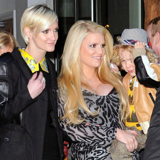 Jessica Simpson With Bronx in NYC Pictures