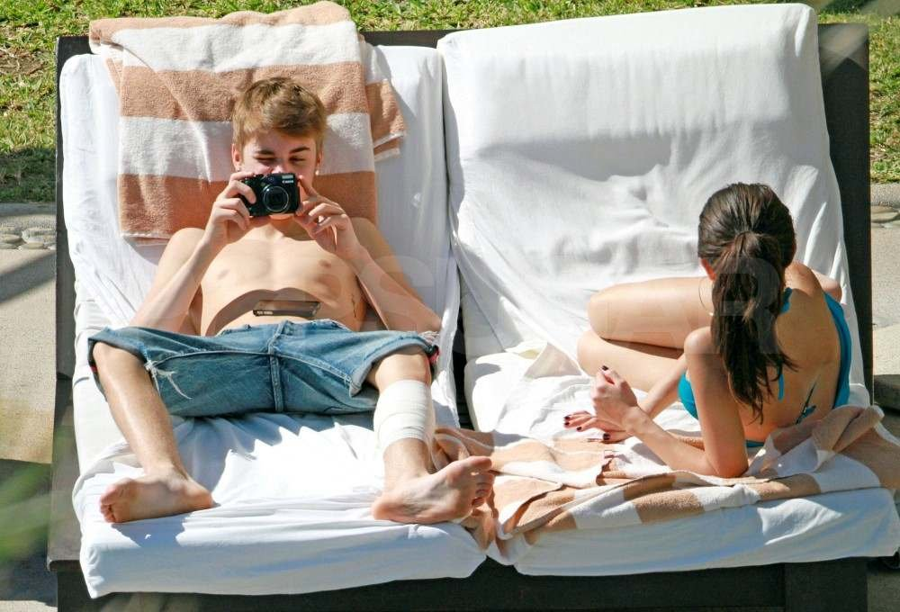Justin Bieber and Selena Gomez on vacation in Mexico.