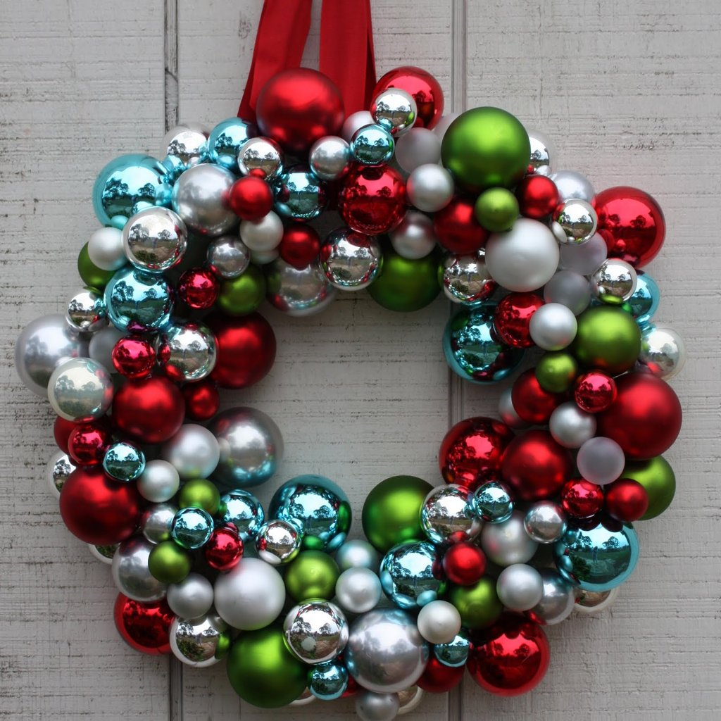 Decorative Christmas Ball Ornaments: DIY Christmas Decorations Kids Will Love