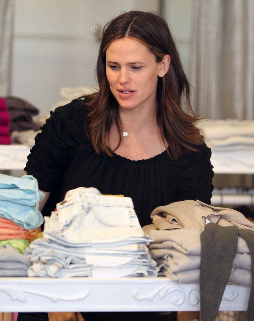 Jennifer Garner looked over the holiday merchandise.