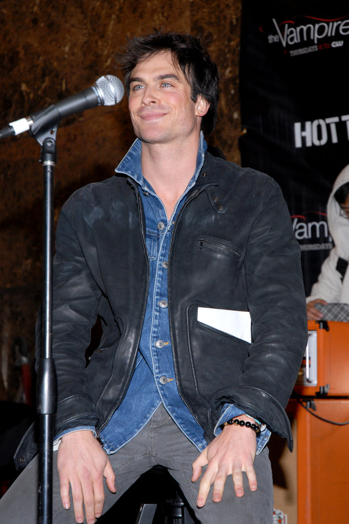 Ian Somerhalder chatted with fans in January 2010 during a question and answer session held at the Garden State Plaza mall in Paramus, NJ.