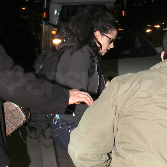 Kristen Stewart Arriving at LAX Prior to Holidays Pictures