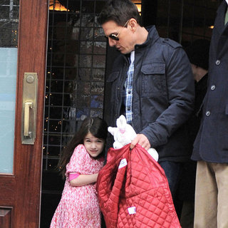 Tom and Suri Cruise Leaving Their NYC Apartment Pictures