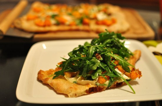 Butternut Squash and Brie Pizza With Arugula and Walnut Oil