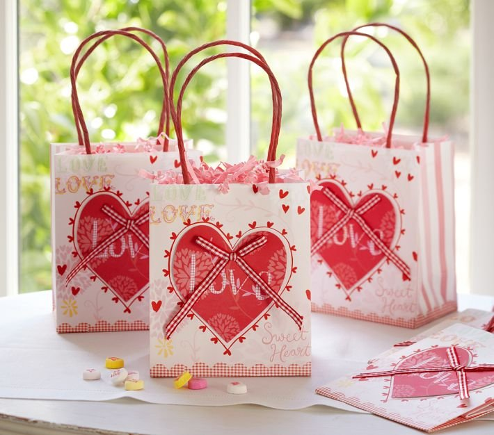Valentine's Day Party Bag Set ($10 For 8 Bags)