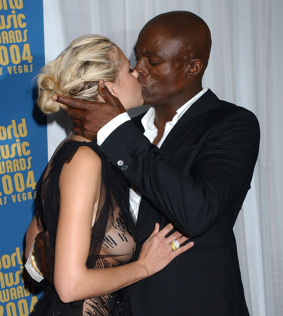 Heidi and Seal kissed during the 2004 World Music Awards in Las Vegas.