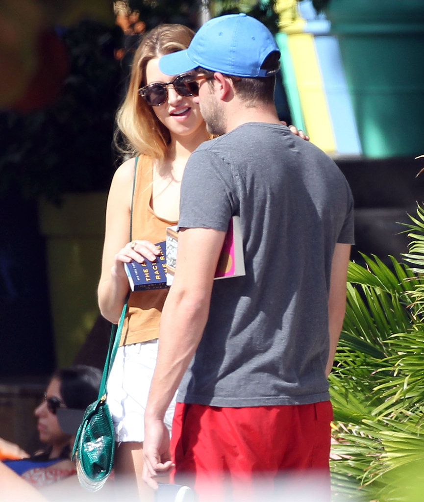 Whitney Port put her hand on her new beau.
