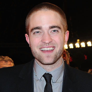 Robert Pattinson Talking About Playing Edward Cullen Video