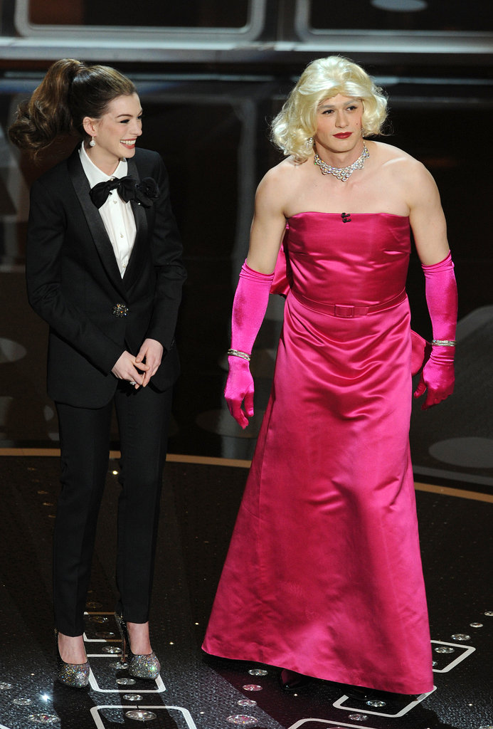 Hosts Anne Hathaway and James Franco channelled a Gentlemen Prefer Blondes moment in 2011.