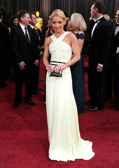 Kelly Ripa in Carolina Herrera.
