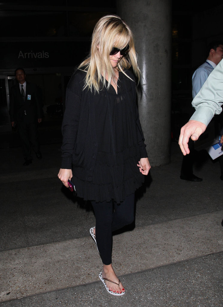 Reese Witherspoon wore all black at LAX.