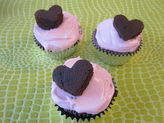Red Velvet Cupcakes With Pink Frosting
