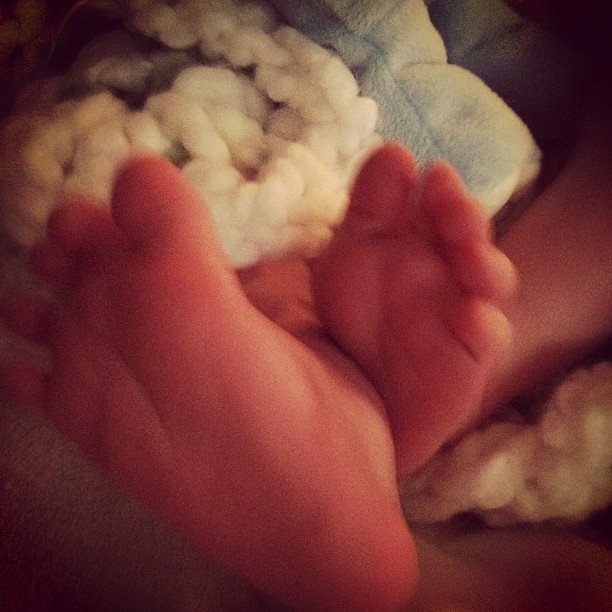Hilary previous tweeted a picture of Luca's tiny feet.