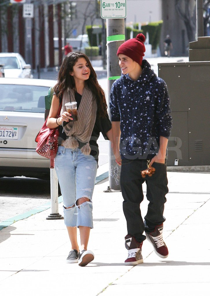 who is selena gomez dating right now 2012