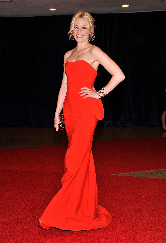 Прически с красным платьем