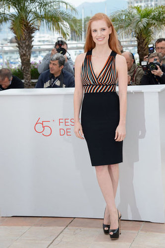 Jessica showed off her LBD with a colorful neckline at the photocall.