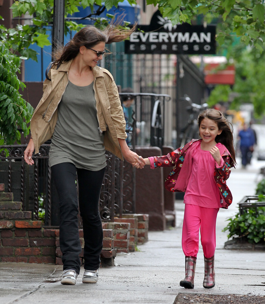Suri Cruise and Katie Holmes held hands.
