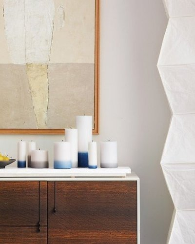 Get a seaside vibe going with these dip-dyed candles. Source: Martha Stewart