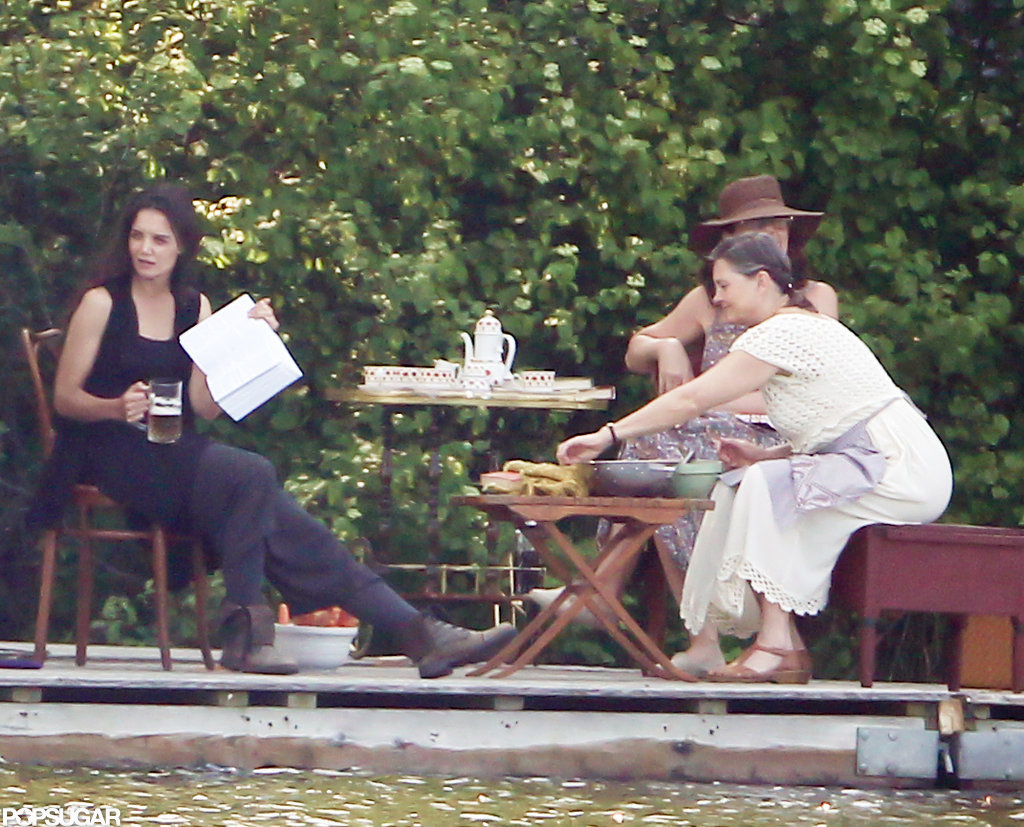 Katie Holmes rehearsed a scene with two other actors for her next project.