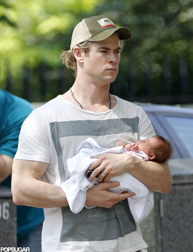 Chris Hemsworth took baby India out in London. | First ...
