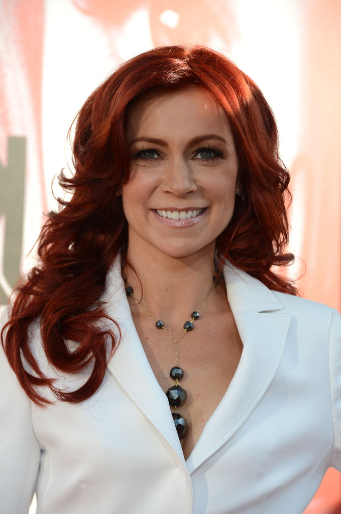 Carrie Preston brightened up the carpet in an all white ensamble.