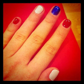 Celebrate The Queen's Diamond Jubilee With A Brit-Themed Manicure!