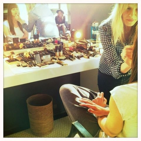 Jessica Biel got her makeup touched up before presenting on stage at the MTV Movie Awards. Source: Twitter user JessicaBiel