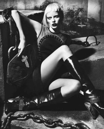 Photographed by Mert & Marcus, the Versace Fall '12 campaign is nothing short of supersexy.