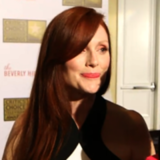 Julianne Moore Interview About Sarah Palin Video