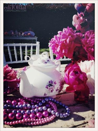 The teapots were filled with lemonade. Pink, of course!