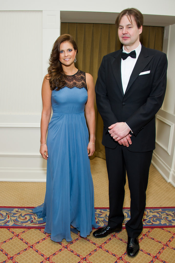For the Opera News Awards in NYC in April 2012, Madeleine chose a modern, sky-blue gown with a fresh-feeling lacey inset at the neckline.