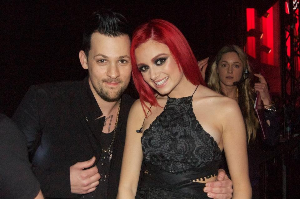 Joel Madden posed with his Voice contestant Sarah De Bono after their duet at the grand finale. Source: Twitter user TheVoiceAU