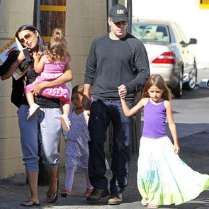 Matt Damon Lunch With Daughters in LA Pictures