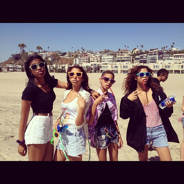 Willow Smith spent time at the beach with friends. Source: Instagram User officialwillow